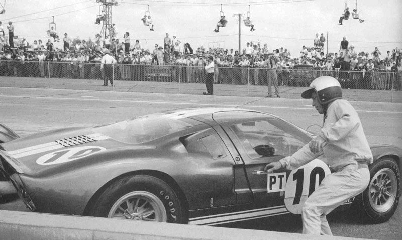 http://www.nvsaac.com/photogallery/images/GT40/1965/65%20sebring/65seb10z%20Ghinter-P.Hill%20Ford%20GT40.jpg