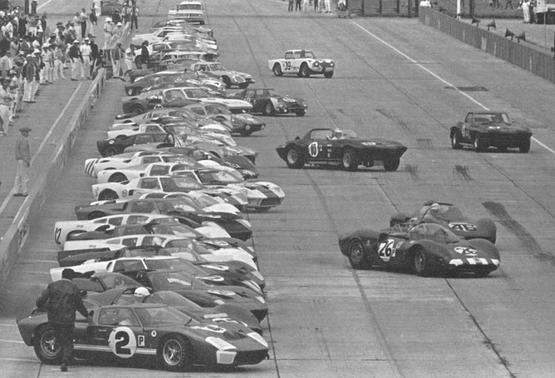 http://www.nvsaac.com/photogallery/images/GT40/1966/66%20sebring/66seb00x.jpg